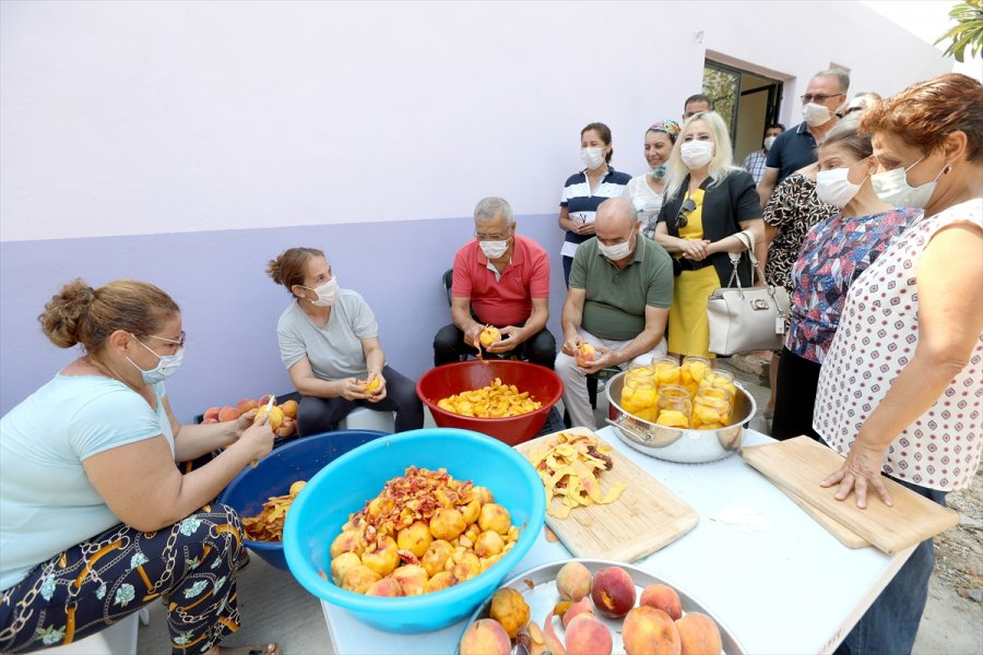 Mezitli'de Üretici Kadınlardan