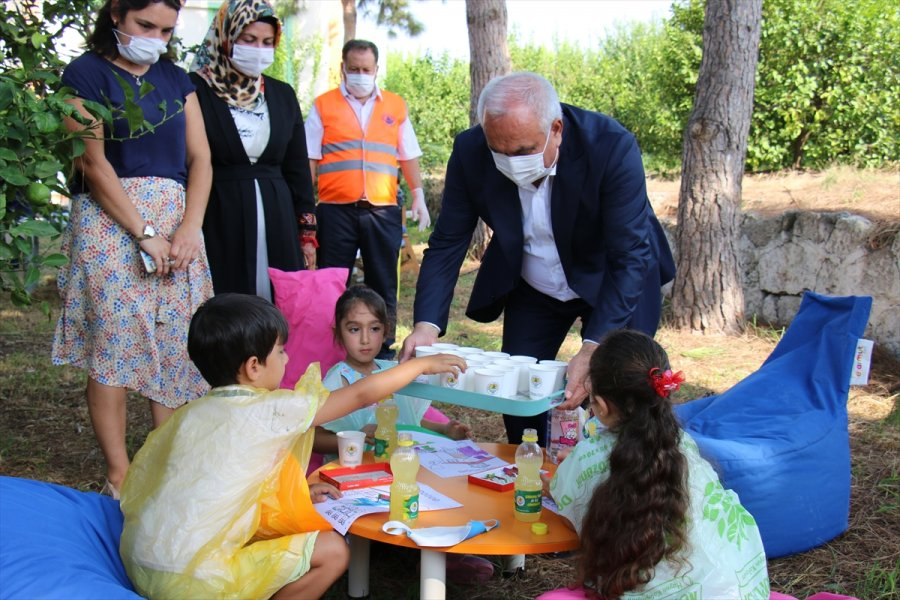 Erdemli Belediyesi, 81 İldeki 81 Okula Limonata Gönderdi