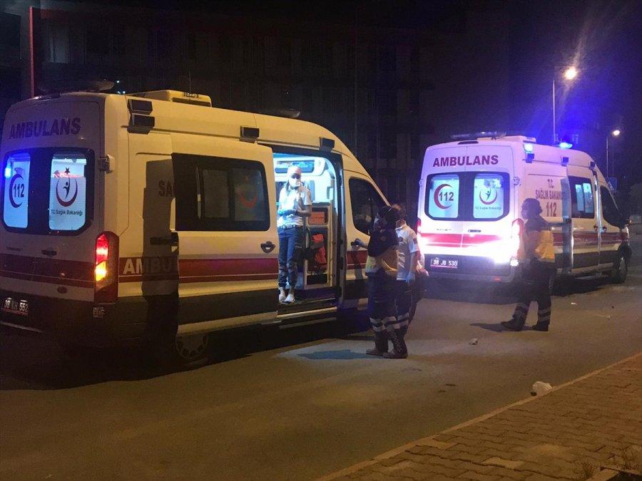 Kayseri'deki Bıçaklı Kavgada 2 Kişi Yaralandı