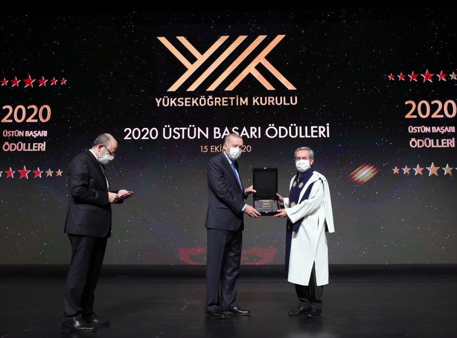Yök 2020 Üstün Başarı Ödülleri Sahiplerini Buldu