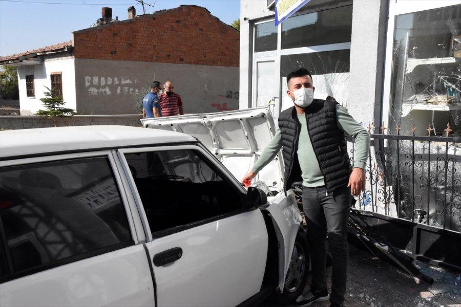 Çalıntı Araçla Polisten Kaçan Şüpheliler Kaza Yaptı