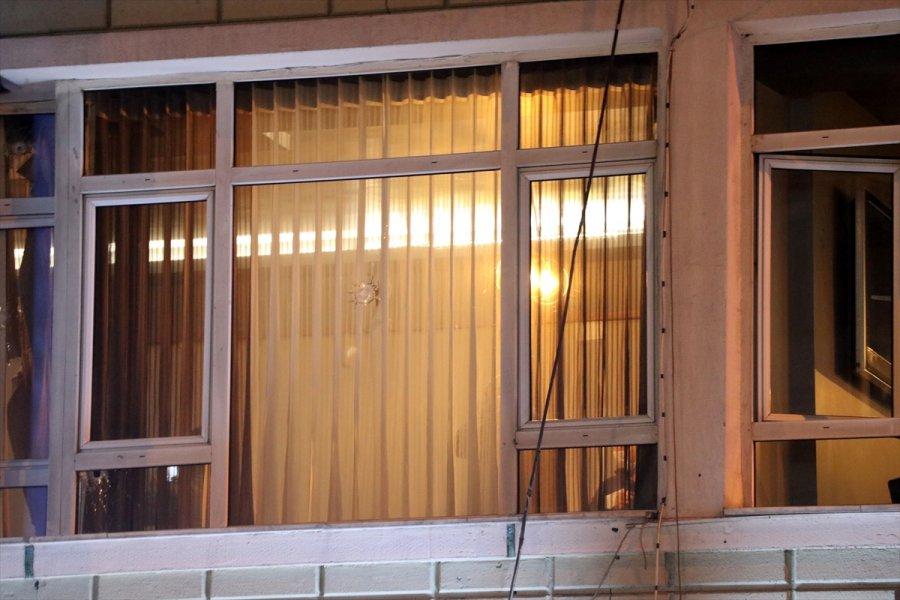 Kayseri'de Rastgele Açılan Ateş Sonucu Restoranda Hasar Meydana Geldi