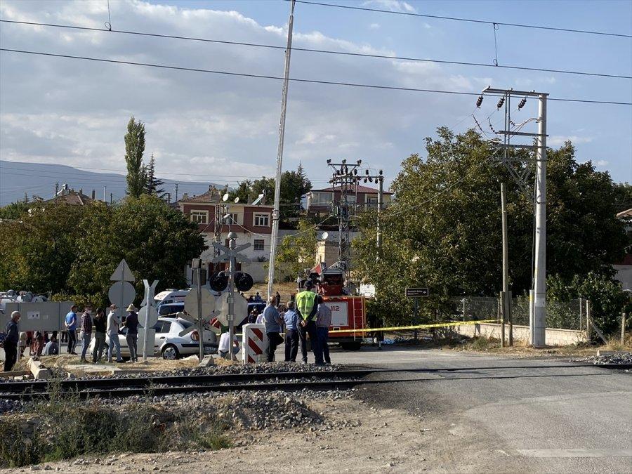Niğde'de Ceviz Toplarken Elektrik Akımına Kapılan Kişi Öldü