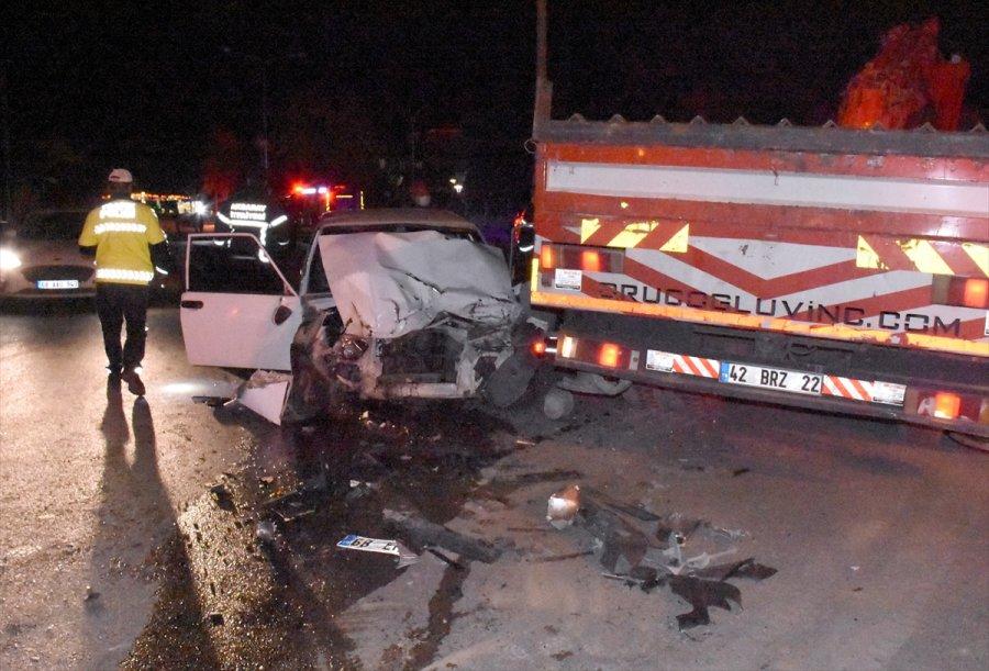 Aksaray'da Dur İhtarına Uymayan Otomobil Çekiciye Çarptı: 1 Ölü