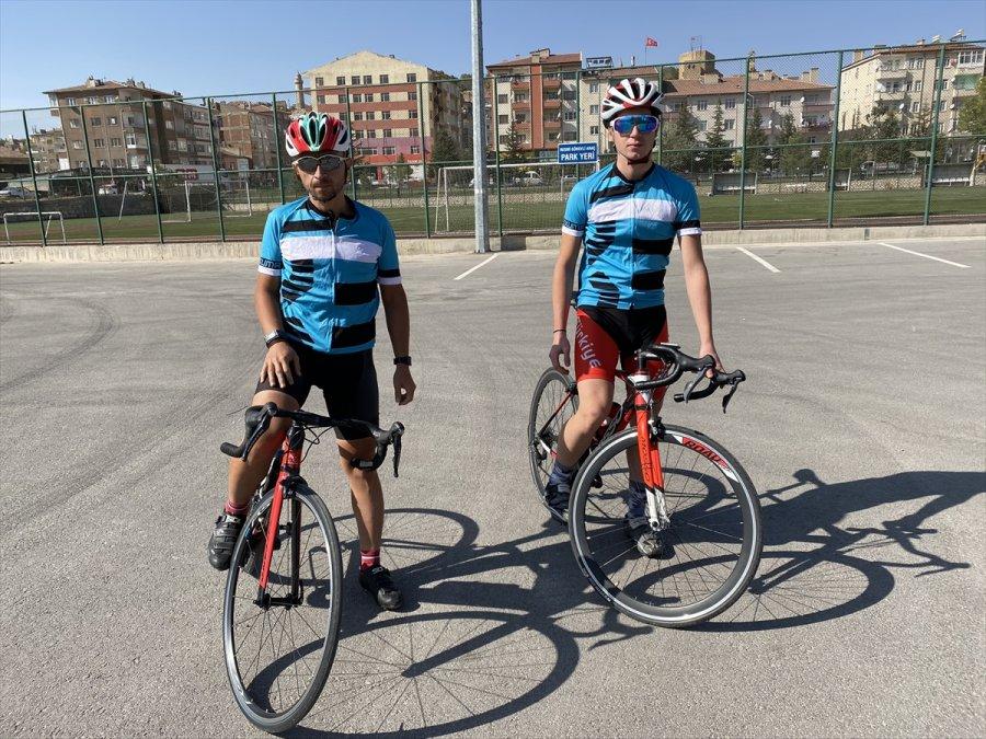 Spor Kulübüne Kayıt İçin Kayseri'den Niğde'ye Pedal Çevirdiler