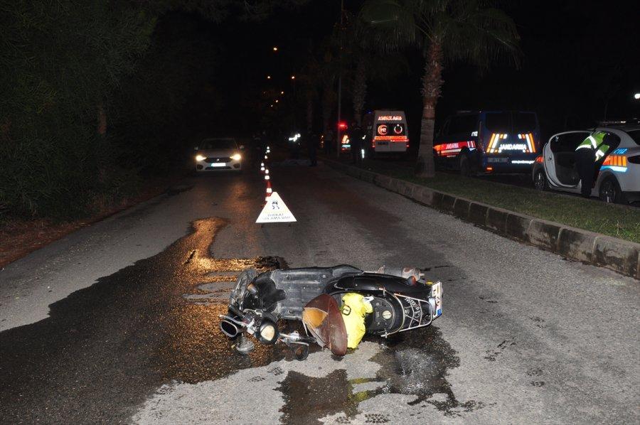 Antalya'da Devrilen Motosikletin Sürücü Hayatını Kaybetti