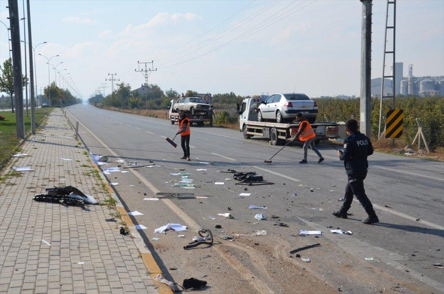 Karaman'da İki Otomobil Çarpıştı: 5 Yaralı