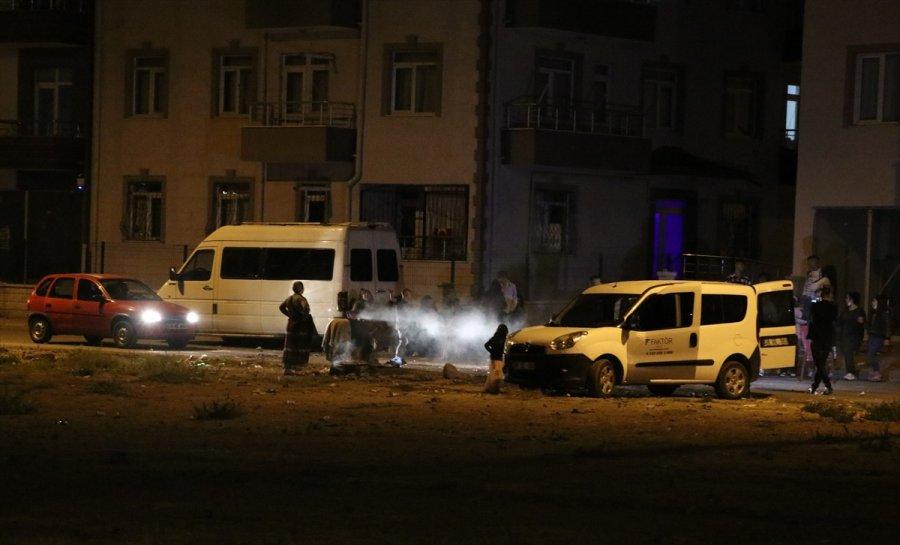 Kayseri'de Kovid-19 Tedbirlerine Uyulmayan Düğünü Polis Sonlandırdı