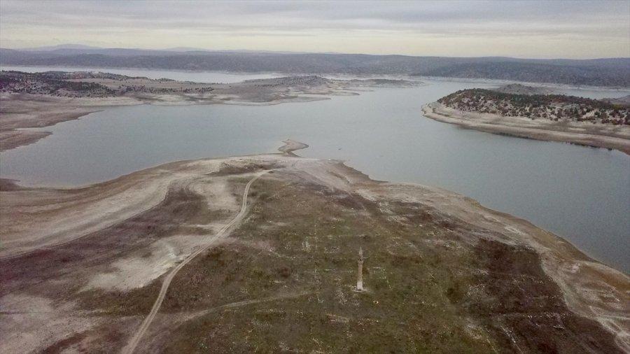 Porsuk Barajı'nın Suyu Çekilince Eski Minare Gün Yüzüne Çıktı