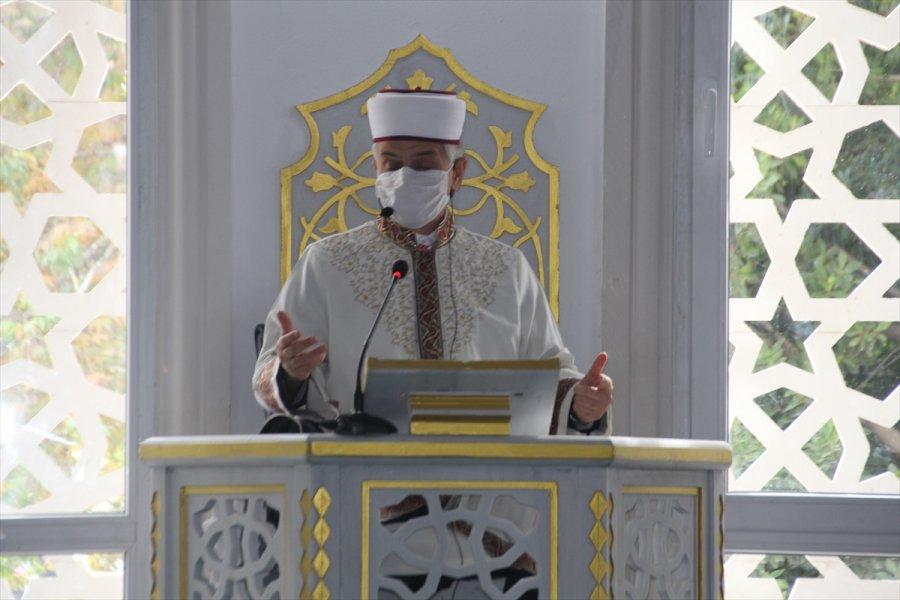 Serik İlçesinde Merkez Camisi İbadete Açıldı