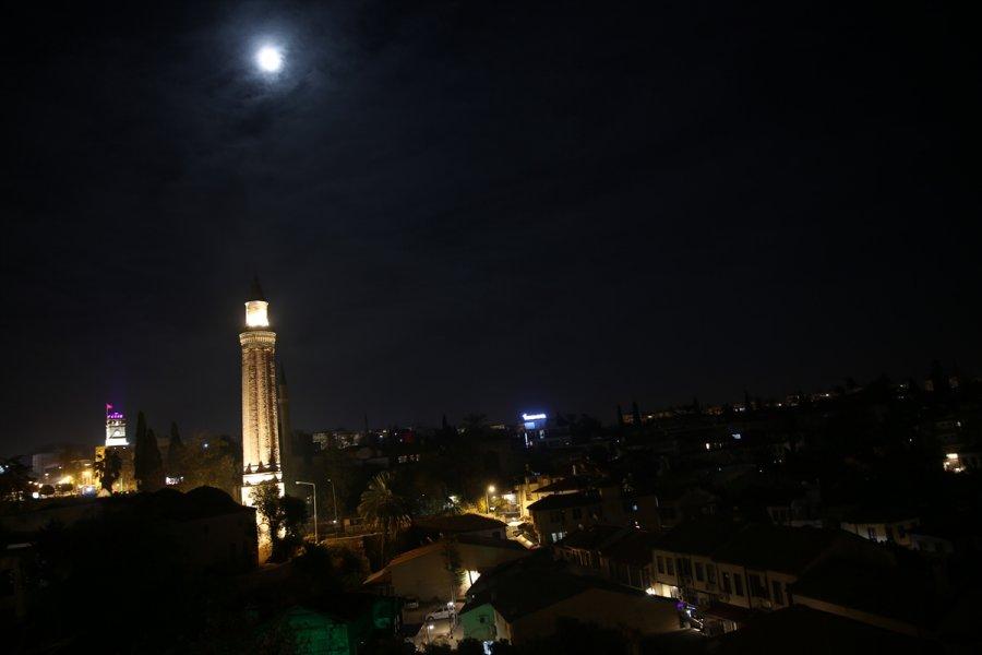 Antalya, Muğla, Isparta Ve Burdur'da Sokağa Çıkma Kısıtlaması