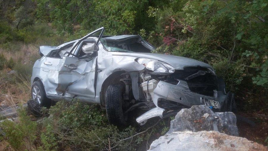 Alanya'da Otomobil Uçuruma Yuvarlandı: 5 Yaralı
