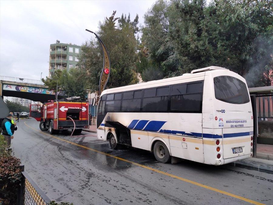 Mersin'de Halk Otobüsünde Çıkan Yangın Hasara Neden Oldu
