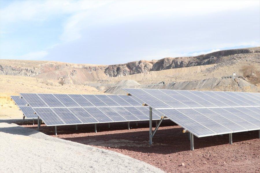 Niğde'de Bor Belediyesince Kurulan Güneş Enerjisi Santrali Elektrik Üretimine Başladı
