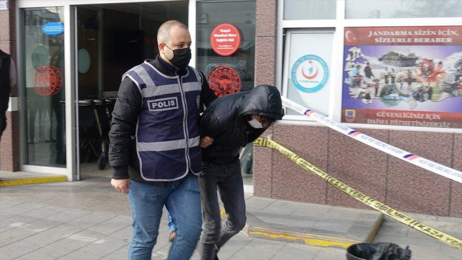 Konya'da Fuhşa Zorlanan 2 Kadın, Kilitlendikleri Evden İtfaiye Yardımıyla Kurtarıldı