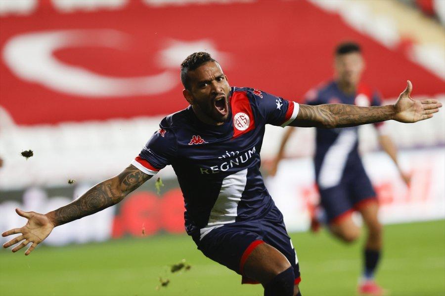 Fraport Tav Antalyaspor-trabzonspor Maçından Notlar