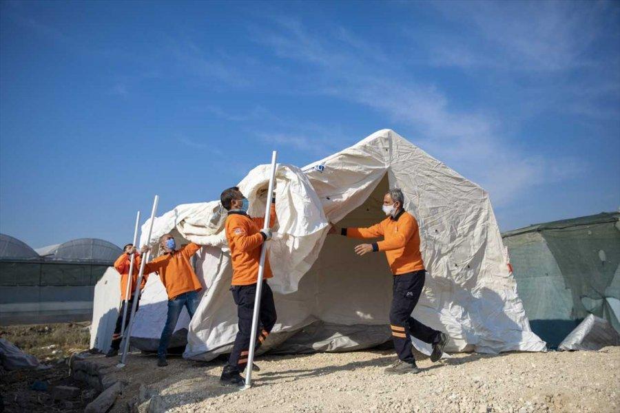 Mersin'de Mevsimlik Tarım İşçilerinin Çadırları Yenilendi