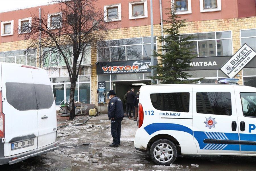 Kayseri'de Halı Yıkama Hizmeti Veren İş Yeri Kurşunlandı