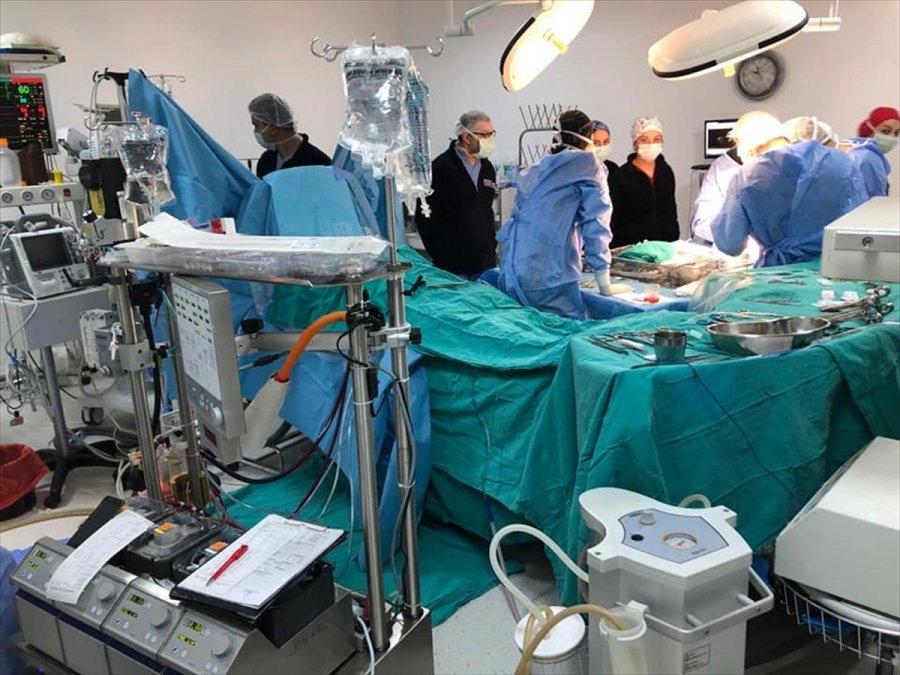 Kktc'de, Akdeniz Üniversitesi Hastanesi Yönetiminde Üçüncü Kalp Nakli Yapıldı