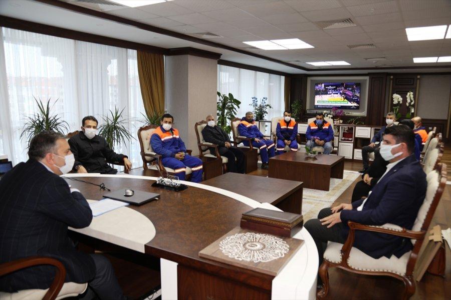 Çubuk Belediye Başkanı Demirbaş, Belediye Personeliyle Bir Araya Geldi
