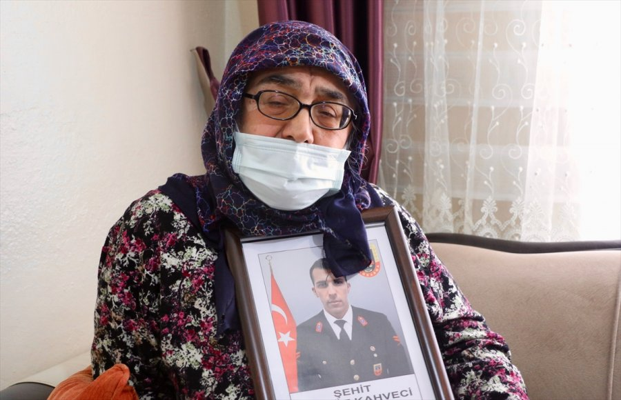 Şehit Mevlüt Kahveci'nin Annesi: