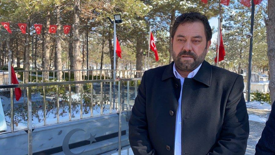 Çukurkuyu Belediye Başkanı Ahmet Halisdemir, Doğum Gününde Şehit Halisdemir'in Kabrini Ziyaret Etti