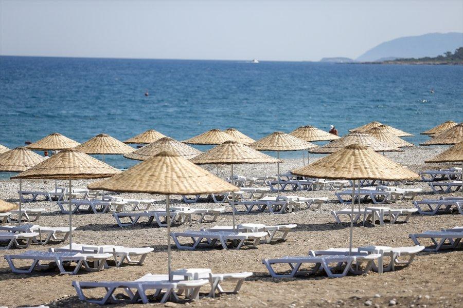 Kültür Ve Turizm Bakanlığının Antalya'daki 4'üncü Halk Plajı Açıldı