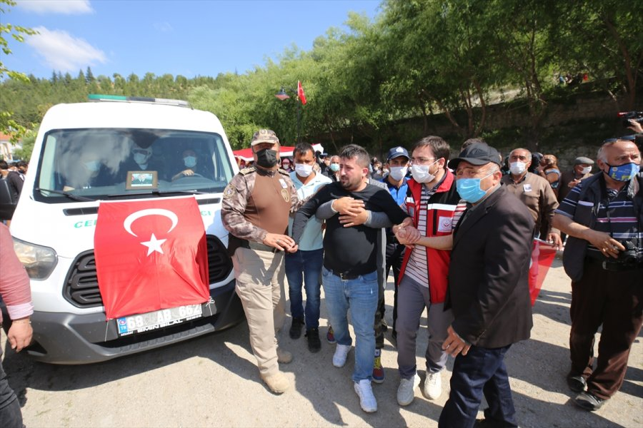 Şehit Piyade Uzman Çavuş Şahin Sarılmaz Aksaray'da Son Yolculuğuna Uğurlandı