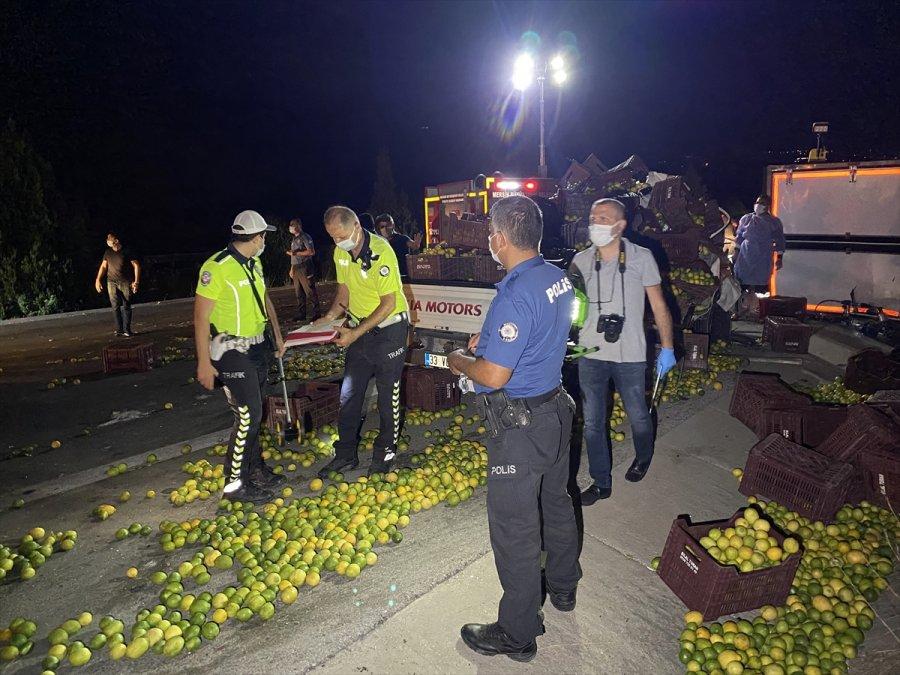 Mersin'de Kamyon İle Kamyonet Çarpıştı: 1 Ölü, 3 Yaralı