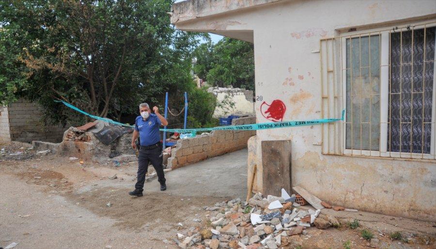 Antalya'da Eşi Tarafından Silahla Yaralanan Kadın Hastaneye Kaldırıldı