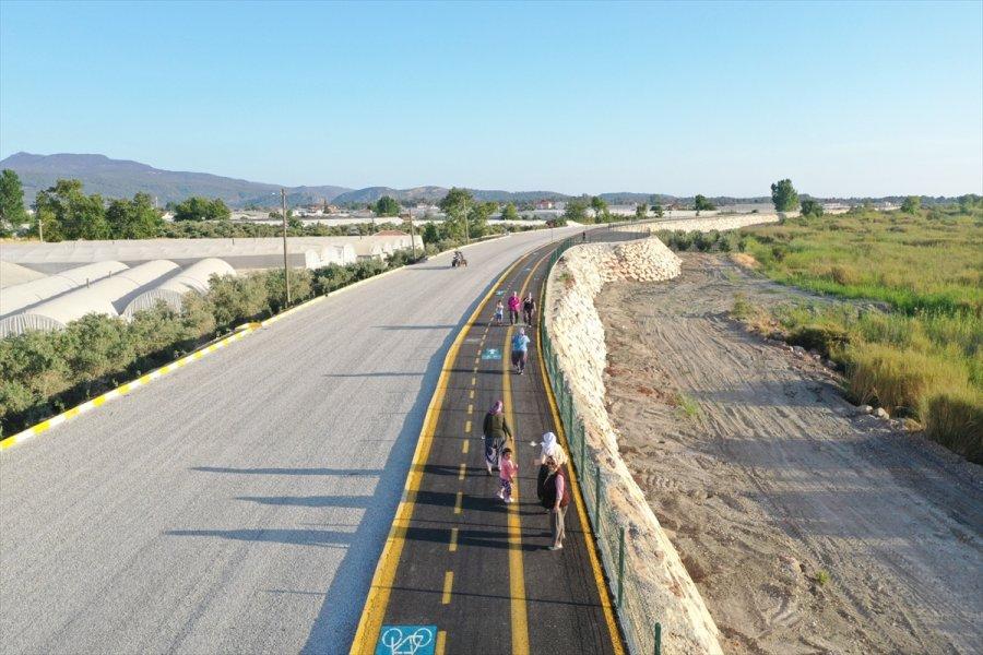 Kaş'ta Kapalı Pazaryeri Ve Bisiklet Yolu Hizmete Sunulacak