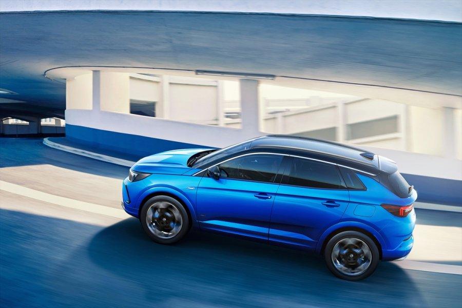 Opel, Suv Ailesini Dinamik Tasarım Diliyle Buluşturmayı Sürdürüyor