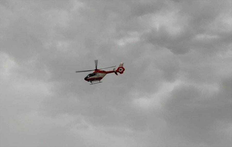 Ambulans Helikopter Kalp Krizi Geçiren Hasta İçin Havalandı