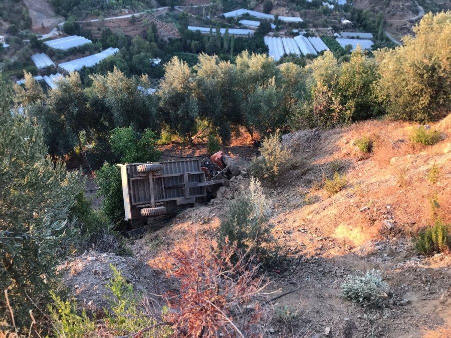 Alanya'da Uçuruma Yuvarlanan Traktörün Sürücüsü Öldü